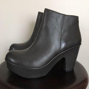 KORK-EASE Gray Marlo Heeled Clog Ankle Boot